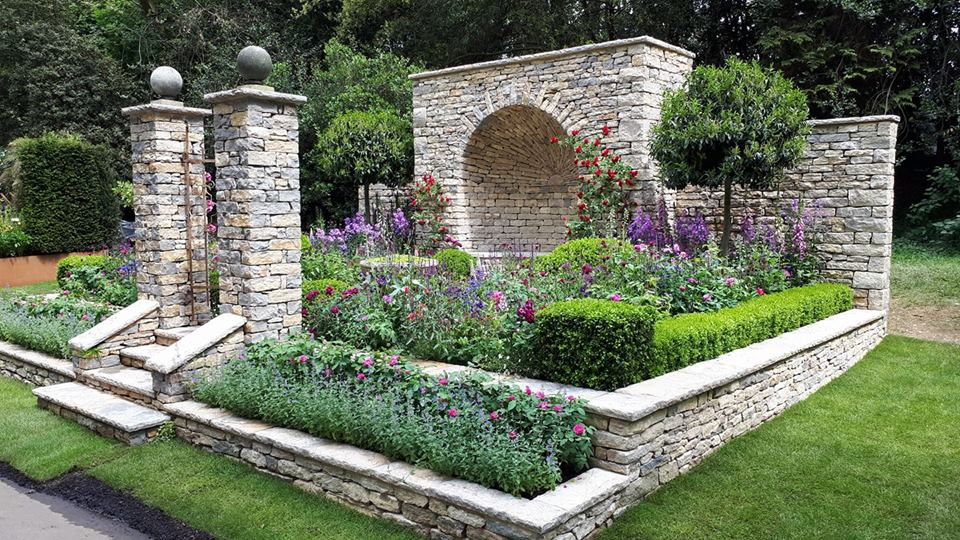 Best Artisan Garden - The Claims Guys - A Very English Garden